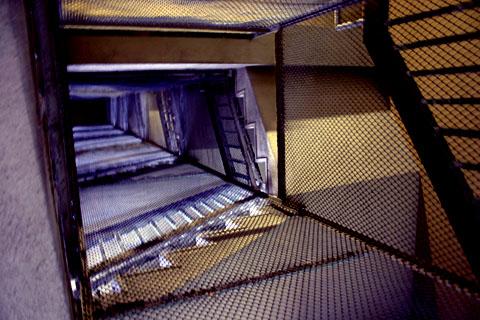 階段見上げ@赤羽台.jpg
